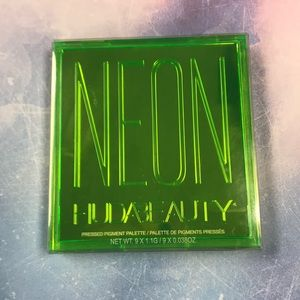 Huda Beauty Neon Green Obsessions Palette